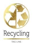 Het recycling van embleem in gouden Royalty-vrije Stock Afbeelding