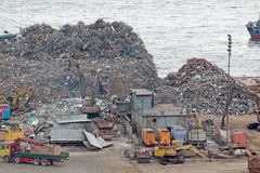 Het recycling van het autokerkhof stock afbeeldingen