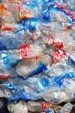Het recycling van Plastiek en flessen Stock Afbeeldingen