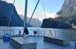 Het reizen door boot stock afbeeldingen