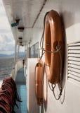 Het reizen door cruise met veiligheidsmateriaal Stock Foto