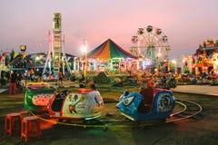 Het reizen Funfair in Kanchanaburi-Rood Kruismarkt 2013 met Ferr Royalty-vrije Stock Afbeeldingen