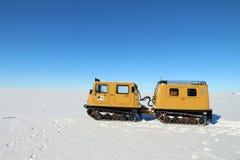 Het reizen op de het ijsplank van Ross in Antarctica Stock Afbeeldingen