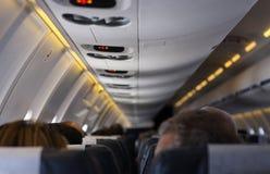 Het reizen op een vliegtuig Stock Foto's