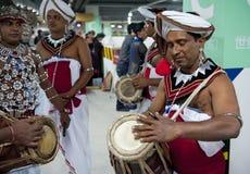 Het reizen toont prestaties van de traditionele dansers van Sri Lankan Stock Foto