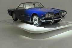 Het Reizen van Maserati 5000GT - honderdjarig Maserati toont Royalty-vrije Stock Foto's