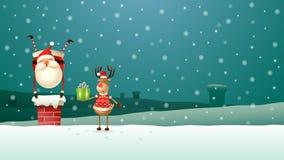 Het rendier helpt Santa Claus alle giften onderaan de schoorsteen op het dak neerzetten - het landschap van de de winternacht stock illustratie
