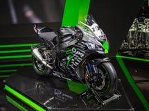Het Rennende team van PTT van Kawasaki Ninja ZX10RR stock foto's