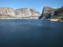 Het Reservoir van Hetchy van Hetch in Nationaal Park Yosemite Royalty-vrije Stock Afbeeldingen