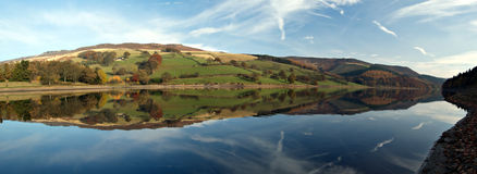 Het reservoir van Ladybower. Engeland Stock Fotografie