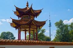 Het Restaurant en Donauturm van China Sichuan, in Wenen Royalty-vrije Stock Afbeeldingen