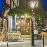 Het restaurant Le Basilic, Montmartre-kwart, Parijs, Frankrijk Stock Fotografie