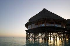 Het restaurant van het hotel in water Zanzibar Afrika Royalty-vrije Stock Foto