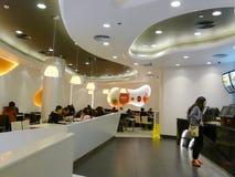 Het restaurantbinnenland van Kfc Royalty-vrije Stock Foto