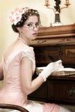 Het Retro meisje schrijven Royalty-vrije Stock Foto