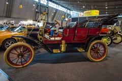 Het Retro Reizen van autoford model T, 1909 Stock Fotografie