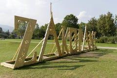 Het reusachtige en houten van letters voorzien leidt tot naam van Zakopane Royalty-vrije Stock Foto