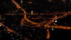 Het Reusachtige Verkeer in Nacht Bangkok, Mening van Skyscrapper, Timelapse-Video stock video