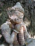 Het Reuzebeeldhouwwerk die van de steenslaap de tempel bewaken Royalty-vrije Stock Afbeeldingen
