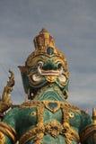 Het reuzestandbeeld werd gevestigd in vele tempels van Thailand Stock Afbeeldingen