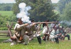 Het revolutionaire oorlogsweer invoeren Stock Afbeelding