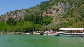 het riet van de rondvaartrivier, historische dalyan, ortaca, koycegiz, Turkije stock footage