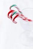 Het riet van het suikergoed in een glas Stock Foto's