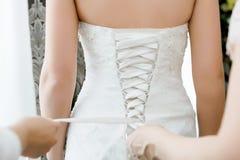 Het rijgen van het korsetbruidsmeisje kleedt zich Royalty-vrije Stock Foto