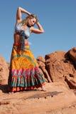 Het rijpe vrouw dansen Stock Afbeeldingen