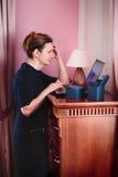 Het rijpe vrouw winkelen Royalty-vrije Stock Foto