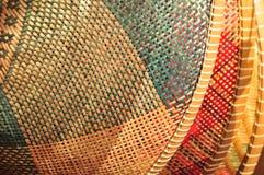 Het rijs van de mand is Thaise met de hand gemaakt het is geweven bamboetextuur voor achtergrond en ontwerp Traditionele Thaise g Stock Afbeeldingen