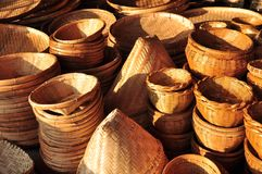 Het rijs van de mand is Thaise met de hand gemaakt het is geweven bamboetextuur voor achtergrond en ontwerp Traditionele Thaise g Royalty-vrije Stock Foto's