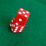 Het rode Gokken dobbelt Stock Fotografie