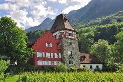 Het rode huis, Vaduz, Liechtenstein Stock Foto