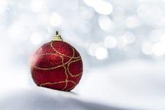 Het rode Ornament van Kerstmis Stock Afbeeldingen