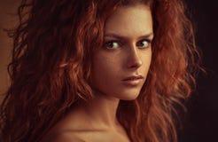 Het rode portret van de haarvrouw Royalty-vrije Stock Afbeelding