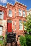 Het rode Washington DC van het Huis van het Rijtjeshuis van Italianate van de Baksteen stock foto's