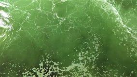 Het roeren van water naast een Washington State-veerboot terwijl het dokken stock foto's