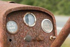 Het roestige Oxyderen van de Tractor op de Kant van de weg royalty-vrije stock afbeelding