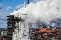 Het roken dooft toren van een cokery Royalty-vrije Stock Afbeeldingen