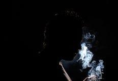 Het roken van de mens Stock Foto