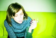 Het roken van het meisje Stock Foto