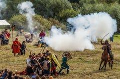 Het rol-spelend spel ontspant slagen van het mongools-Mongol-Tatar juk in het Kaluga-gebied van Rusland op 10 September 2016 Stock Fotografie