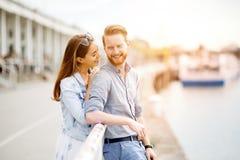 Het romantische Flirten van het Paar royalty-vrije stock foto