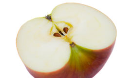 Het rood sneed appel op een witte achtergrond royalty-vrije stock foto's
