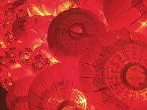 Het rood stapelde de Chinese nieuwe achtergrond van jaarlantaarns Royalty-vrije Stock Fotografie