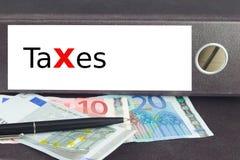 Het rood van belastingen Stock Afbeeldingen
