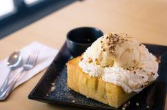 Het roomijs populaire desserts van de honingstoost voor iedereen Royalty-vrije Stock Afbeeldingen