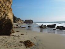 Het rotsachtige strand van Gr Stierenvechter State Park Stock Foto