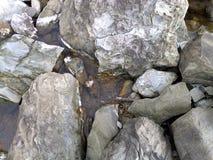 Het rotsachtige strand van Massalubrense Royalty-vrije Stock Afbeelding